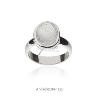 Blue Moon - Pierścionek srebrny z kamieniem księżycowym