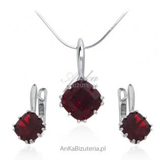 Piękny komplet biżuteria srebrna z  czerwoną cyrkonią