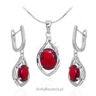 Komplet biżuteria srebrna z czerwoną cyrkonią  na angielskim zapięciu