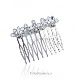 Hair comb with crystals - a mild accent of the season.