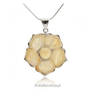 Zawieszka srebrna bursztyn Kwiat z biało-żółtym bursztynem