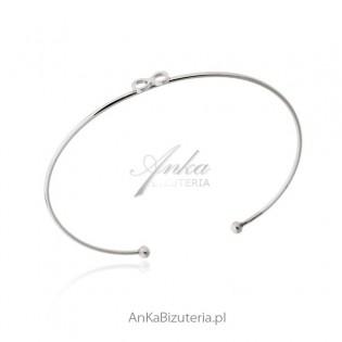 Subtelna bransoletka srebrna ze znakiem nieskończoności