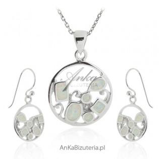 Komplet biżuterii z białym opalem