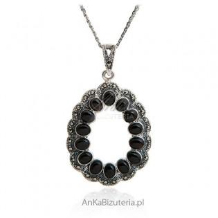 Elegancka biżuteria - Zawieszka srebrna z markazytami i onyksami