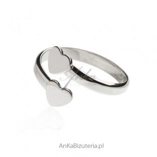 Pierścionek srebrny w serduszka  Biżuteria włoska