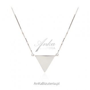 Naszyjnik srebrny trójkąt pełny z łańcuszkiem kosteczka