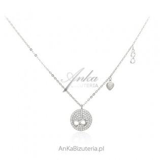 Naszyjnik srebrny ze znakiem nieskończoności i maleńkimi cyrkoniami