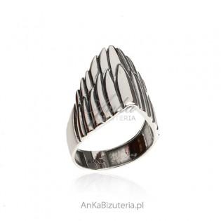 Pierścionek srebrny oksydowany INDIANA