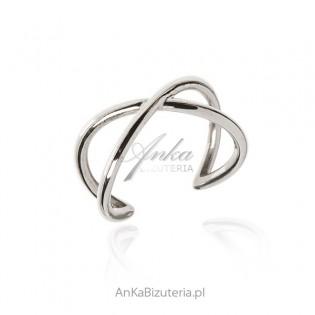 Pierścionek srebrny  - Klasyczna i oryginalna biżuteria damska