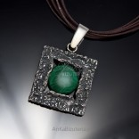 Silver jewelry pendant with malachite big. Beautiful for a gift