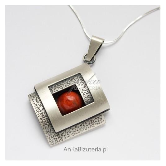 Biżuteria Klasyczna Srebrny wisior z KORALEM