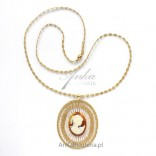 Gold CAMEA pendant on a chain with tatting