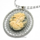 Pendant CAMEA on a chain with tatting Jewelery Author's Jewelry