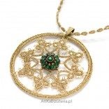Pendant FLOWER - green on a chain with tatting