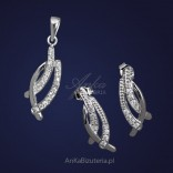 Silver set of pendant earrings with cubic zirconia