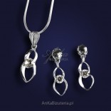 Biżutetria-A set of silver pendant and earrings with cubic zirconia