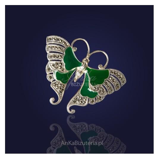 Biżuteria - Motyl srebrny z markazytami z malachitem.