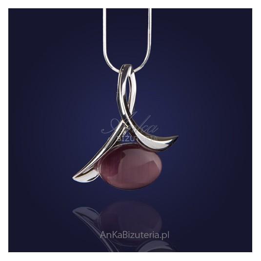 Elegancki srebrny rodowany wisiorek z ślicznym fioletowym uleksitem.