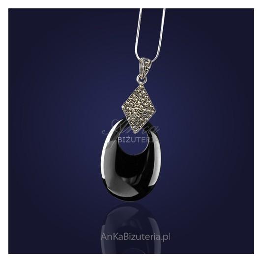Bizuteria Srebrna: Piękny wisior srebrny z kwarcem i markazytami