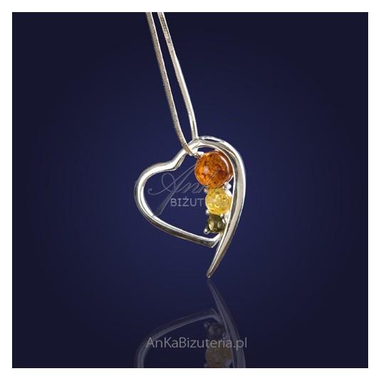 Biżuteria srebrna-serduszko na łańcuszku 45cm z trzema kolorowymi bursztynami.
