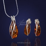 Silver set with natural Baltic amber.