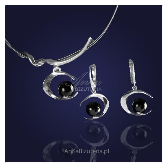 Komplecik biżuterii : naszyjnik i kolczyki srebrne rodowane z  onyksem - 10% RABATU.