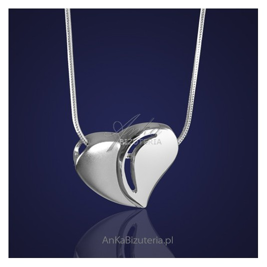 Biżuteria: Serduszko srebrne - dla ukochanej osoby.