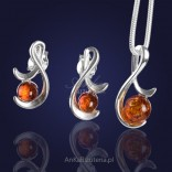 Silver set with natural amber.