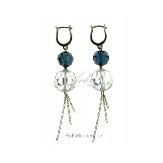 Srebrne kolczyki z kryształów Swarovski - świetnie wpisują się w trend marynarski.