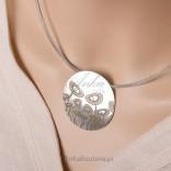 Elegant silver necklace.
