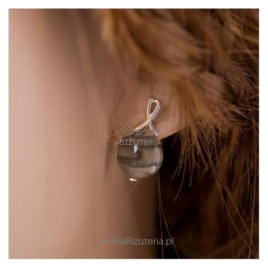 Kolczyki srebrne z krzemieniem pasiastym - krzemień w delikatnej oprawie ze srebra.