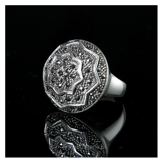 Dla kobiet nowoczesnych, energicznych - pierścionek srebrny z markazytami - unikat 19