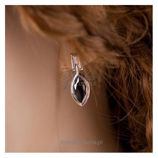 Elegancki, wysublimowany komplet z rodowanego srebra z czarnym onyksem