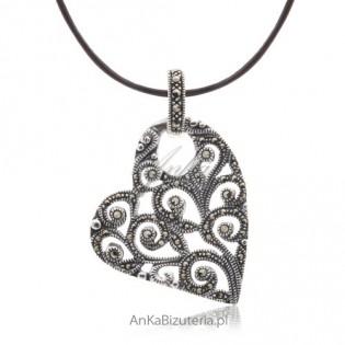 Modna biżuteria Serce srebrne z markazytami